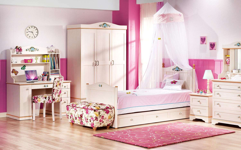ديكورات غرف نوم باللون الوردي لعروس ٢٠١٧