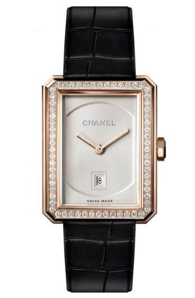 e91a36e66f760 موديلات ساعات نسائية مرصعة باللؤلؤ والالماس من Chanel - مشاهير