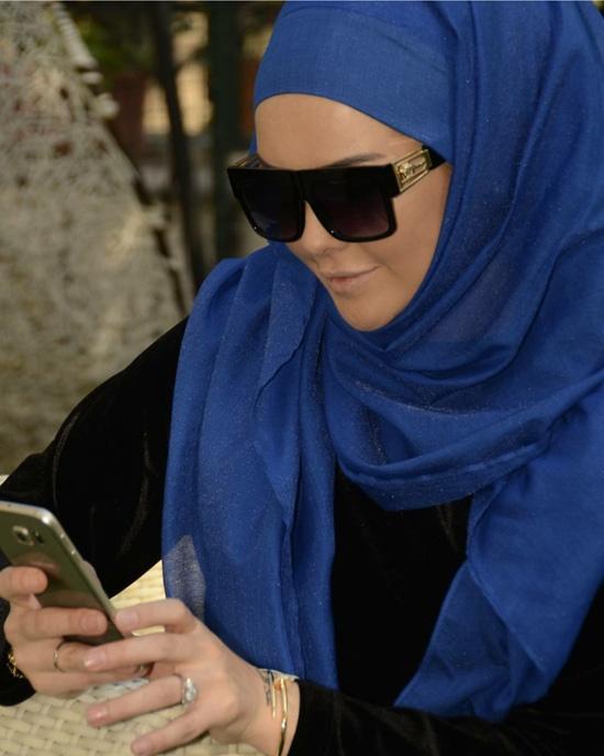 16-00-sunglasses-hijab