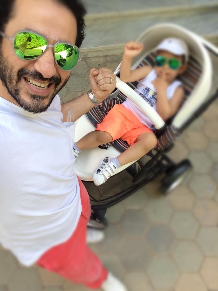 أحمد حلمي ينشر صورة لطفله سليم لأول مرة