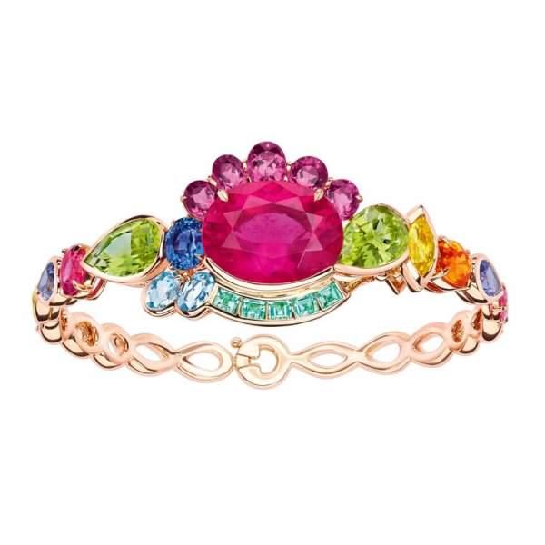 اجمل مجوهرات مرصعة بالاحجار الكريمة
