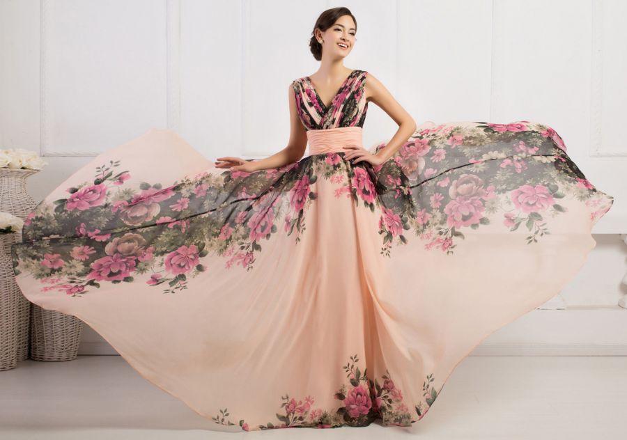 kvetovane-vintage-dlouhe-spolecenske-saty-na-raminka[1]