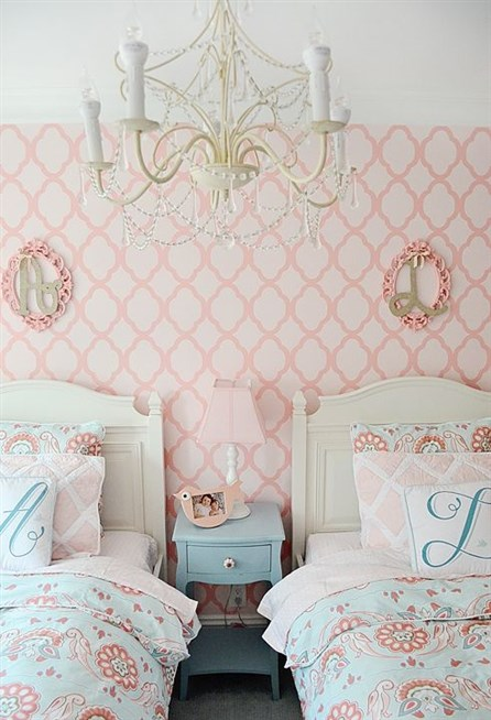 افكار-ديكورات-غرف-نوم-بنات-من-ورق-الحائط- (16)