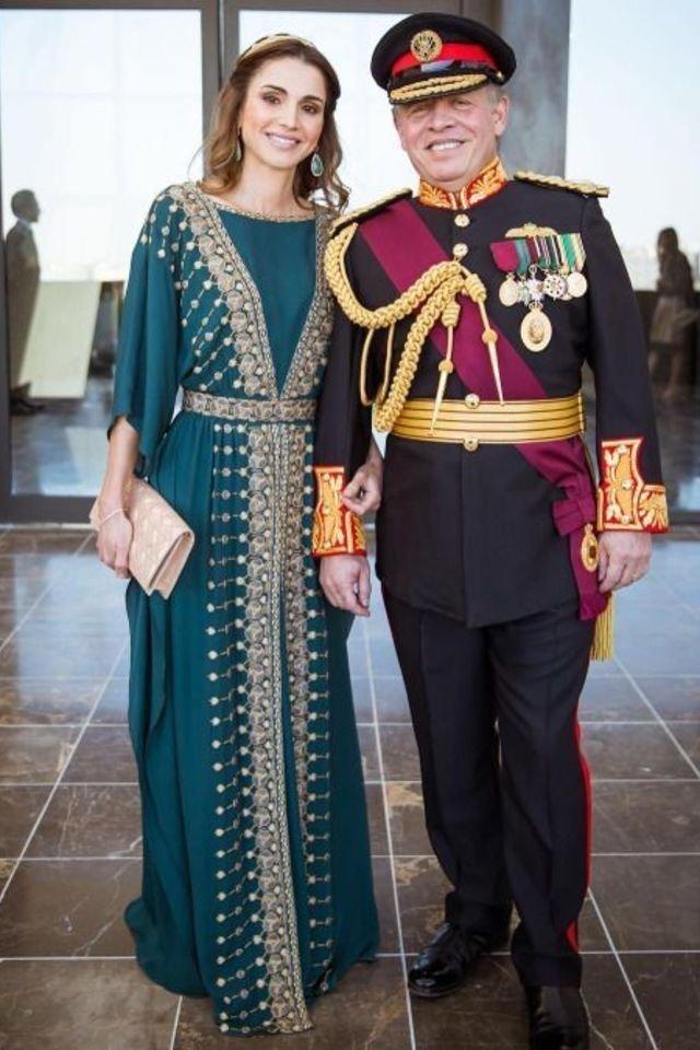 بالصور-اجمل-ازياء-الملكة-رانيا-العبدالله- بمناسبة- عيد- مولدها- (16)