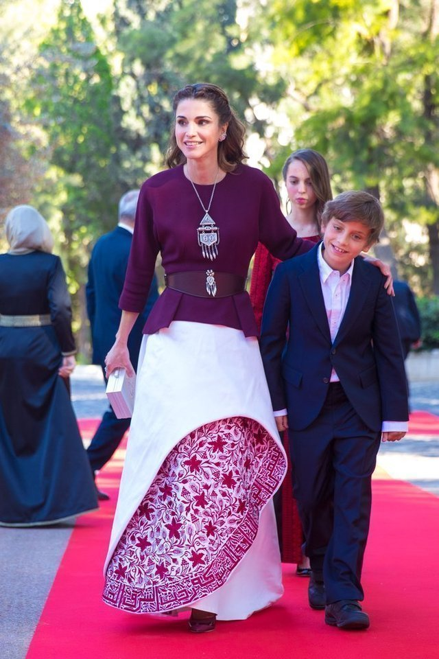 f991dcceac51f بالصور اجمل ازياء الملكة رانيا العبدالله بمناسبة عيد مولدها - مشاهير