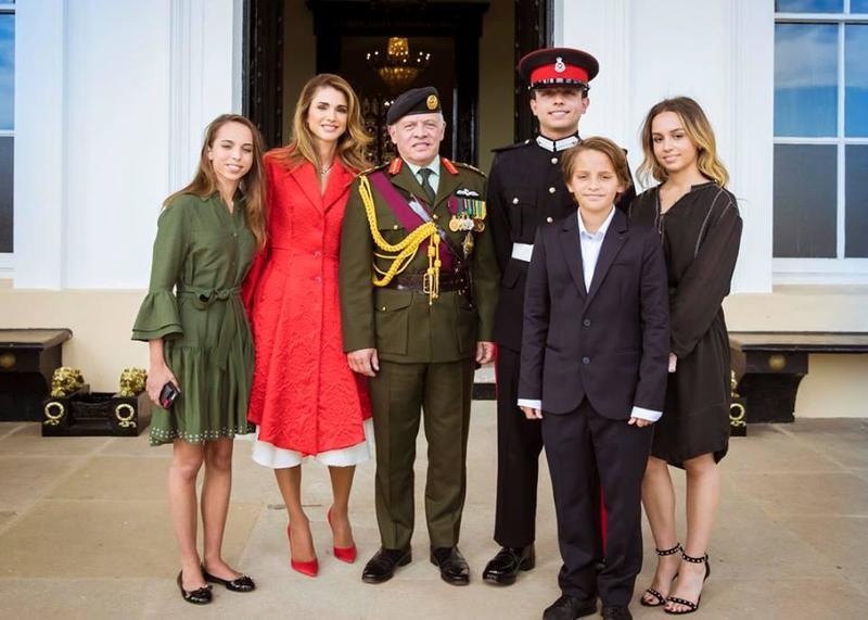 بالصور-اجمل-ازياء-الملكة-رانيا-العبدالله- بمناسبة- عيد- مولدها- (3)