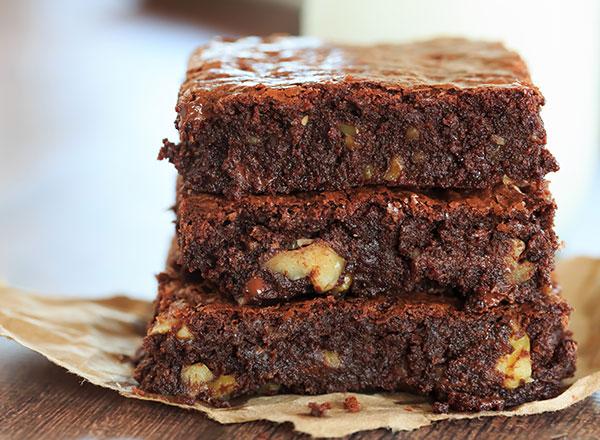 طريقة عمل براوني بالشوكولاتة والبندق