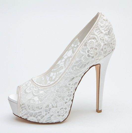 حذاء-ابيض-عالي