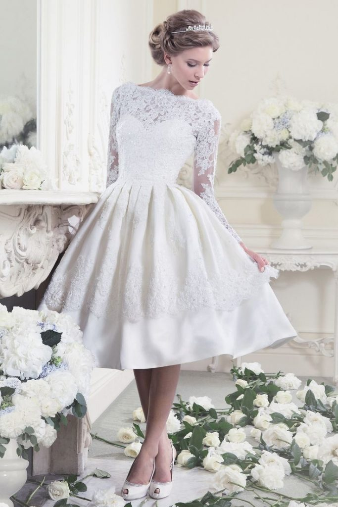 عروس-بفستان-قصير-منفوش