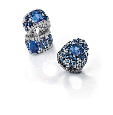 مجوهرات مرصعة بالزفير الأزرق