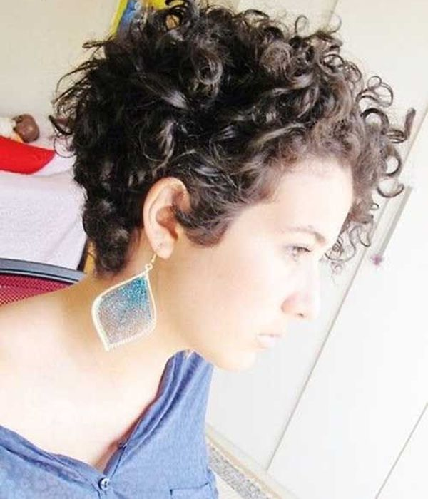 تسريحات-شعر-قصير-مجعد (5)