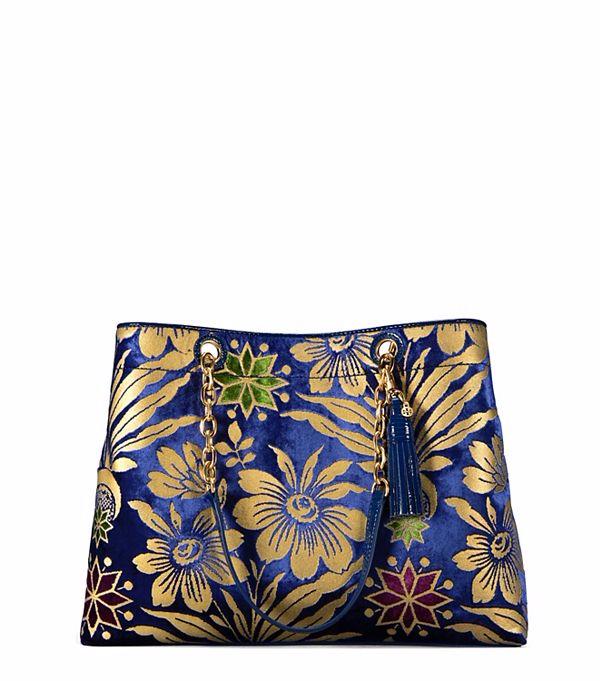 حقيبة-باللون-الازرق-والبني