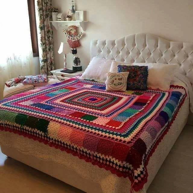 مفارش-السرير-الكروشيه-للعرايس- (7)