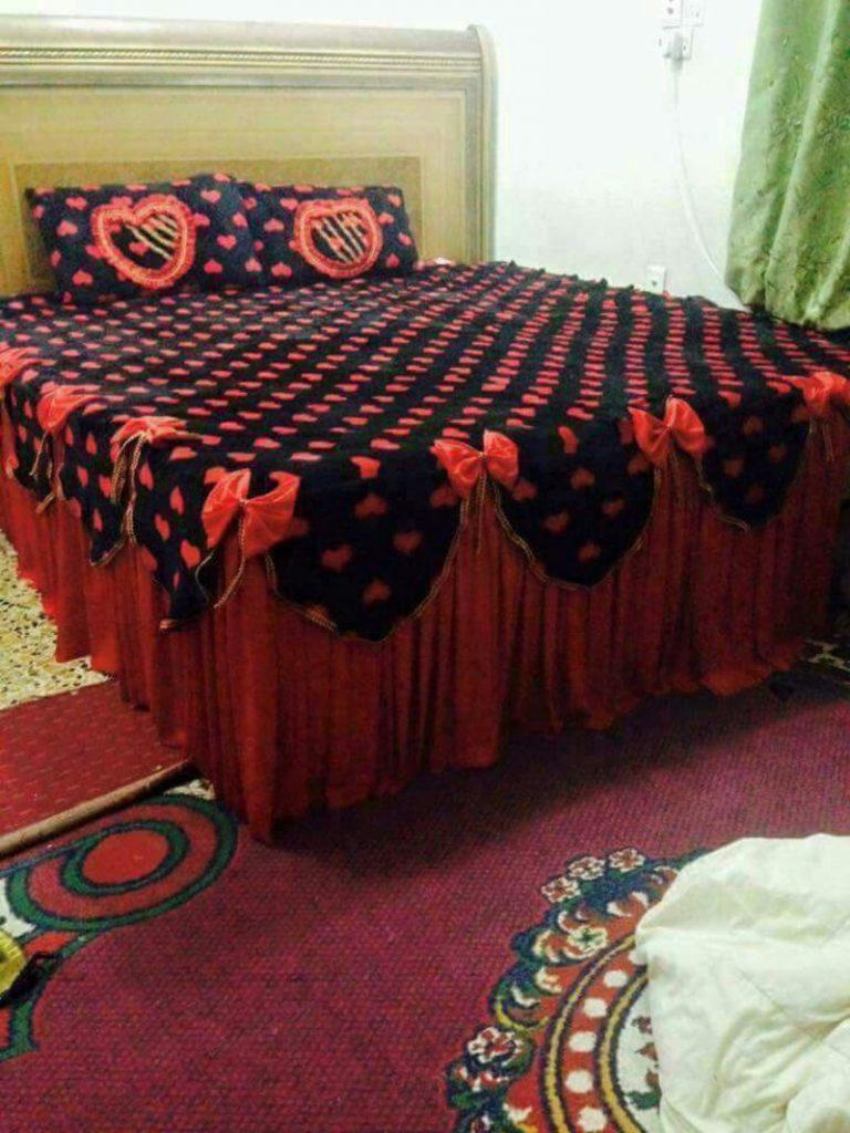 مفارش-سرير-باللون-الاحمر- (9)