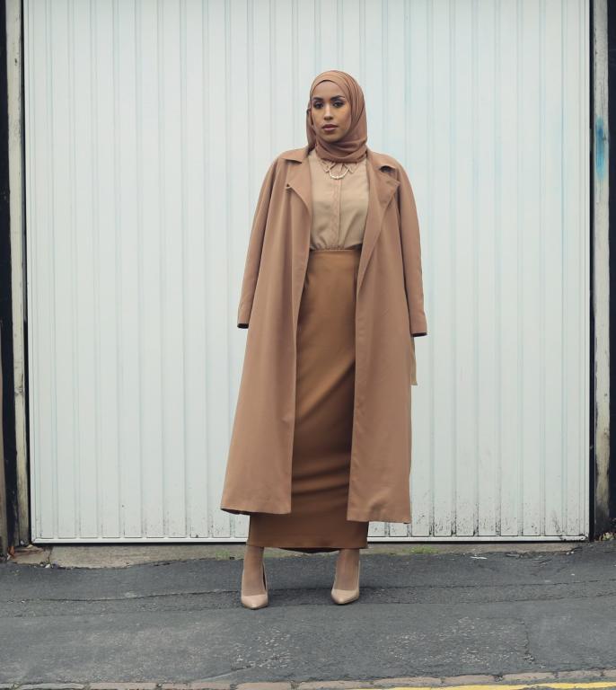 المعطف-الكاميل-باطلالة-موحدة