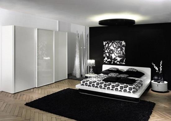 حائط-بالاسود