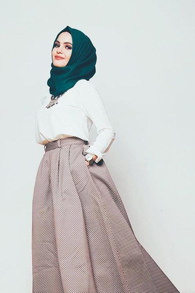 حجاب-اخضر-تنورة-بيج