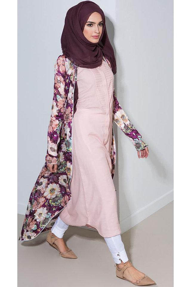 حجاب-داكن-ملابس-منقوشة
