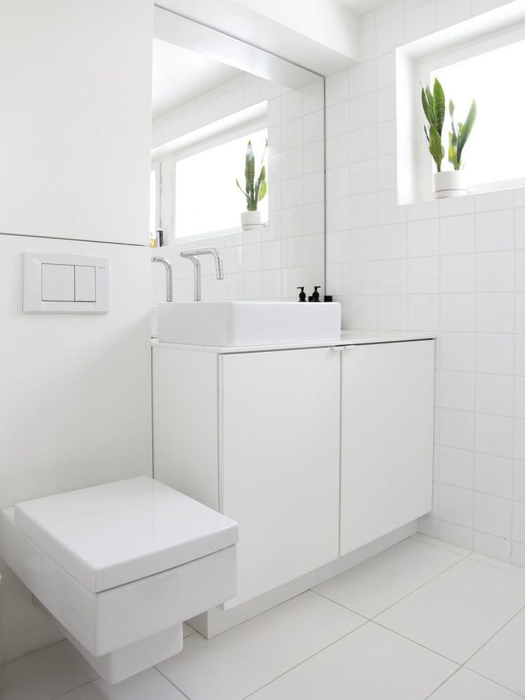 حمام-ابيض-ضيق