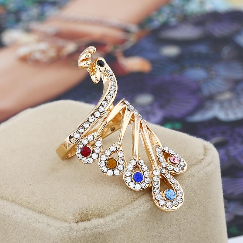 خاتم-مرصع-بالكريستال-الملوان