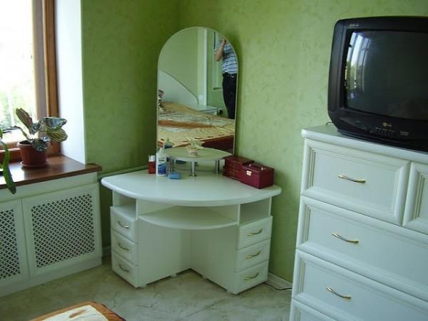 خزانة-للغرفة-الصغيرة