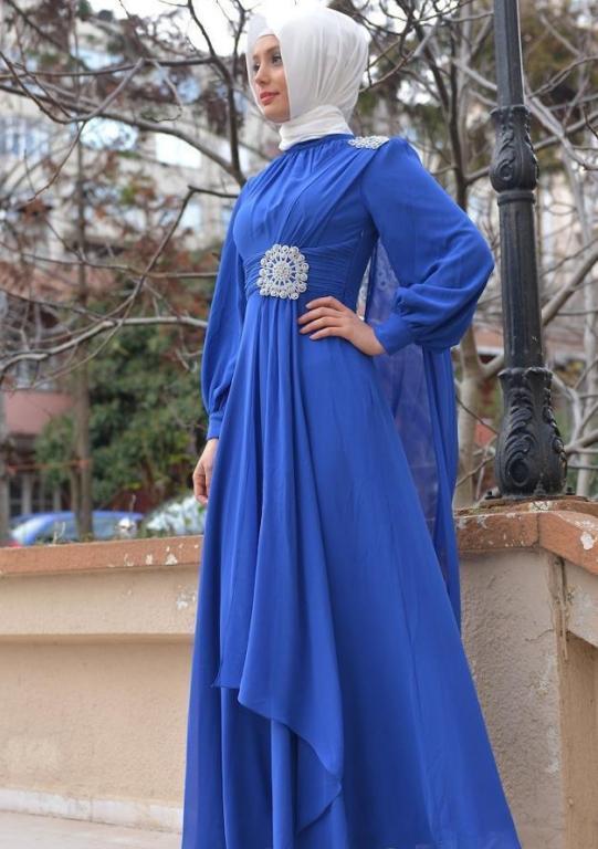 فستان-ازرق-مع-حجاب-ابيض