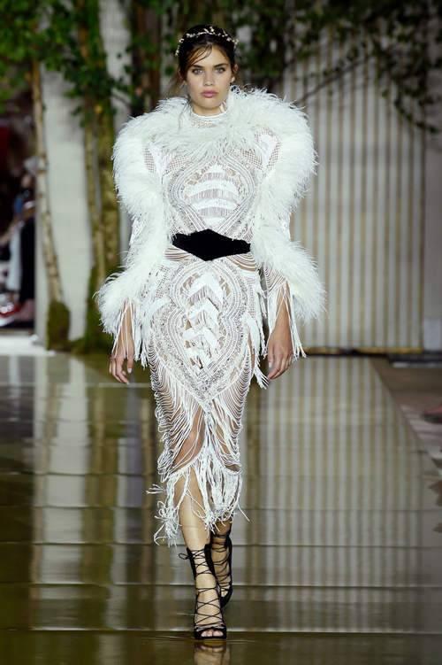 فستان-بالريش-والشراشيب
