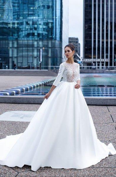 فستان-بتنورة-واسعة