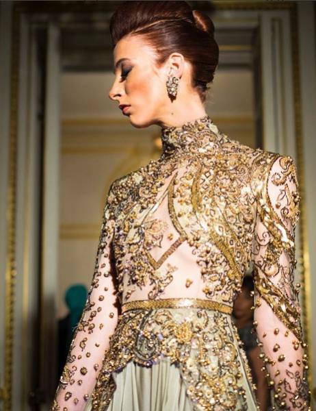 فستان-سهرة-بالتطريز-الذهبي