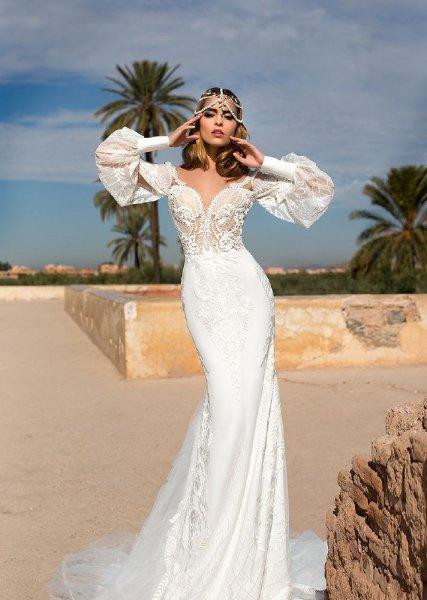 فستان-عروس-بأكمام-واسعة