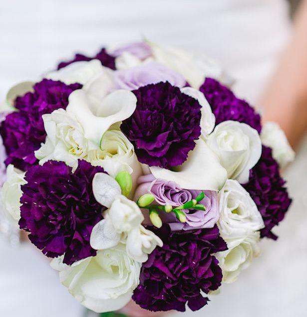 ورد-ابيض-وبنفسجي للعروس