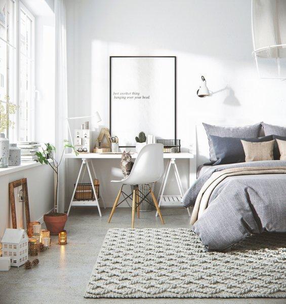 غرفة-نوم-بمصابيح-بيضاء