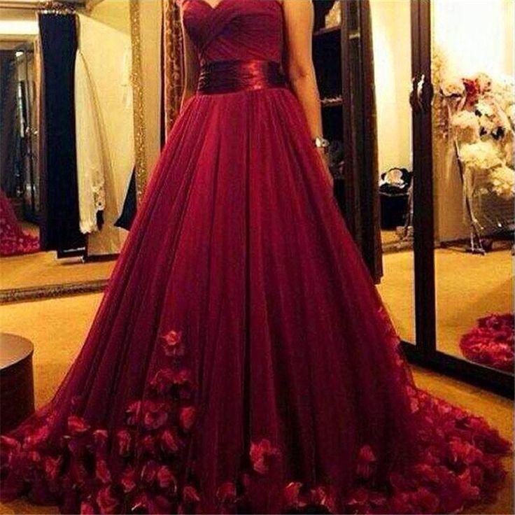 فستان-خطوبة-منفوش