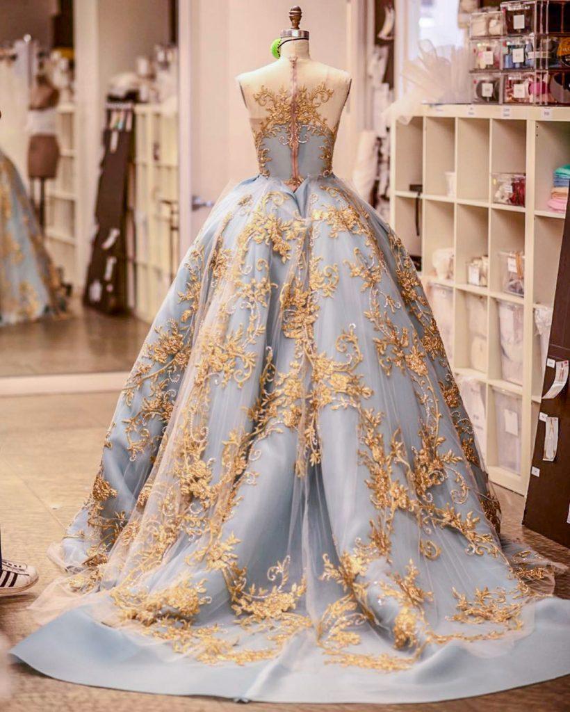 فستان-زفاف-أزرق-مطرز