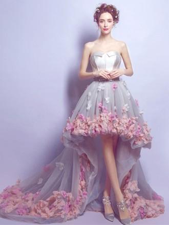 f9ea363e7e937 موديلات فساتين زفاف مزينة بالورود - مشاهير