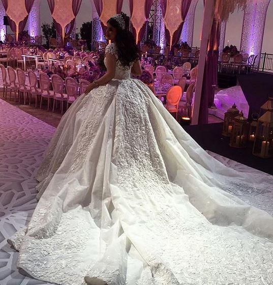 فستان-زفاف-ملوكي-مطرز