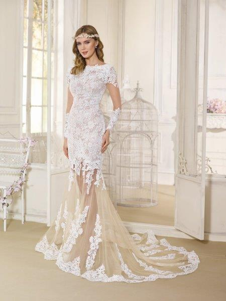 فستان-عروس-بذيل-طويل