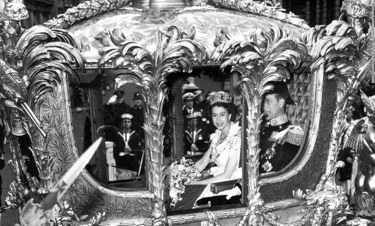 رحلة-تتويج-الملكة