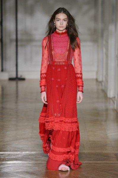 فستان-احمر-من-فيكتوريا-بيكهام