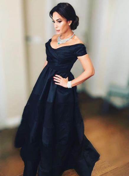 فستان-اسود-مكشوف