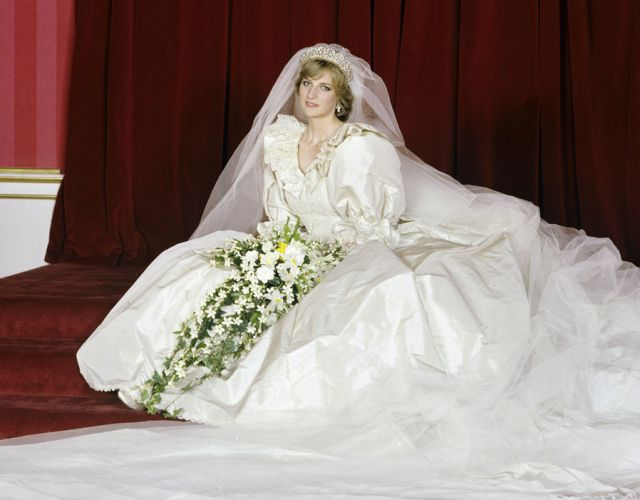 فستان-الأميرة-ديانا
