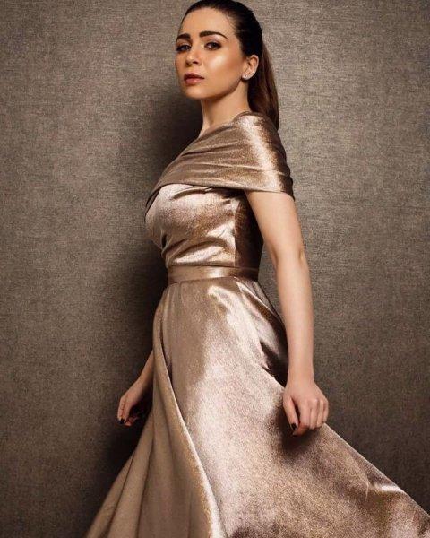 فستان-ذهبي