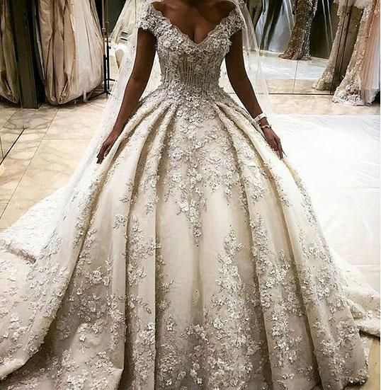 فستان-منفوش-للعروس