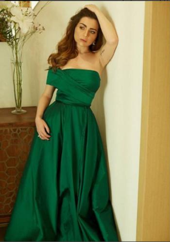 فستان-مي-عز-الدين-الأخضر
