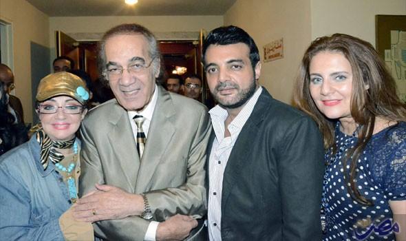 محمود-ياسين-مع-عائلته