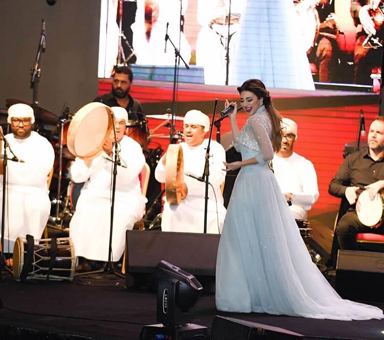 ملكة-المسرح-تطرب-الجمهور