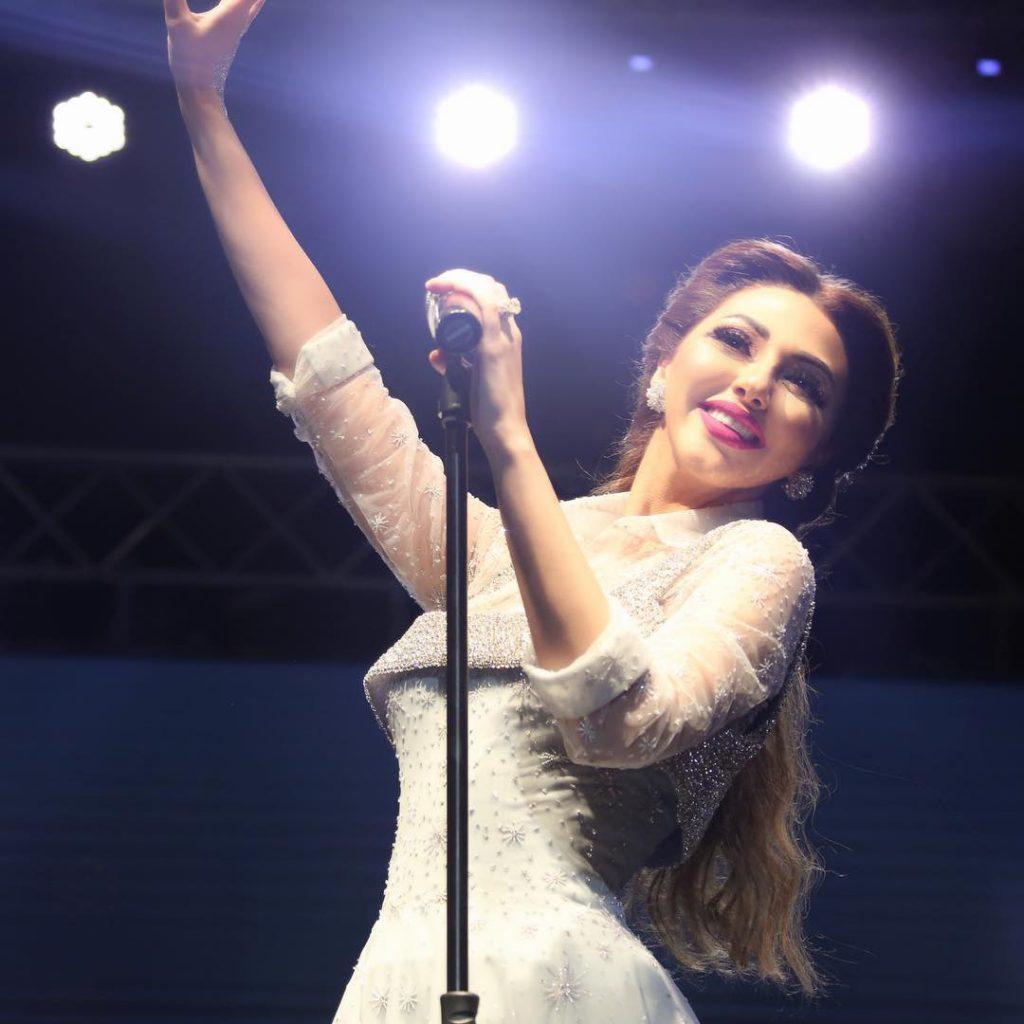 ميريام-على-المسرح
