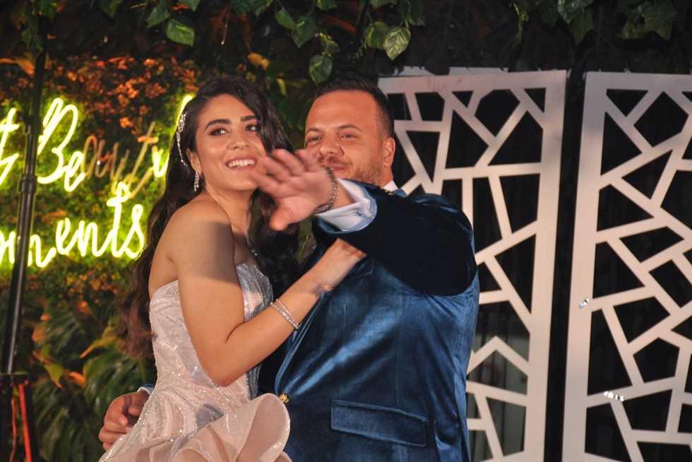 العروسين-اثناء-الاحتفال