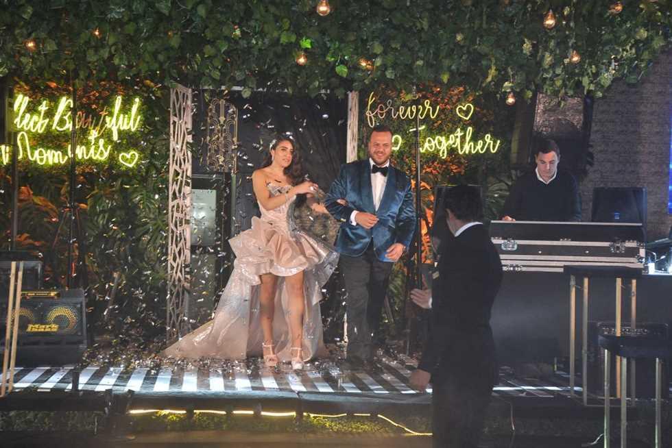 دخول-العروسين-القاعة