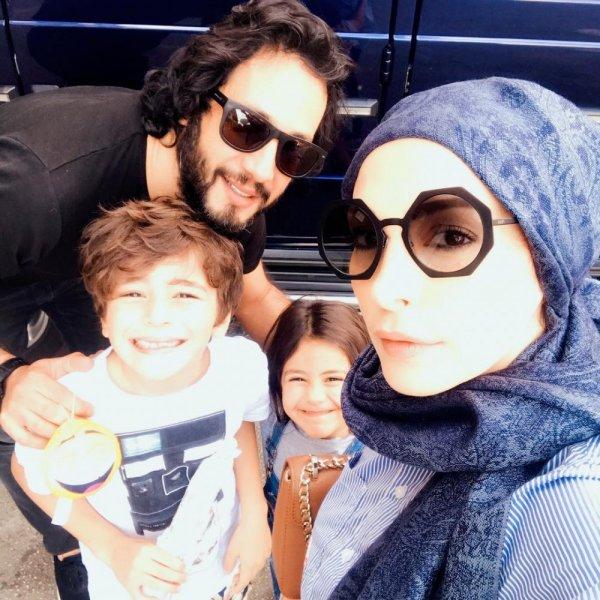 امل حجازي وعائلتها